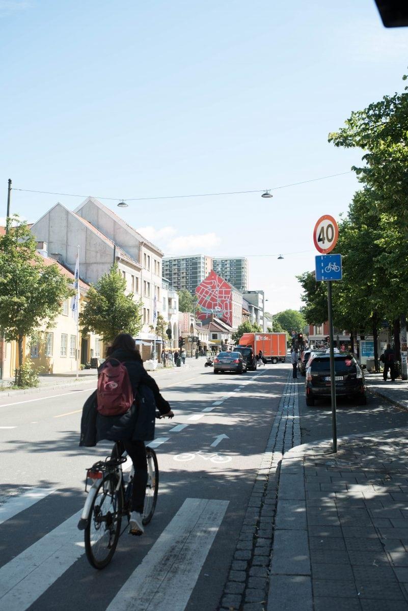 dansk by kryssord uten klær video
