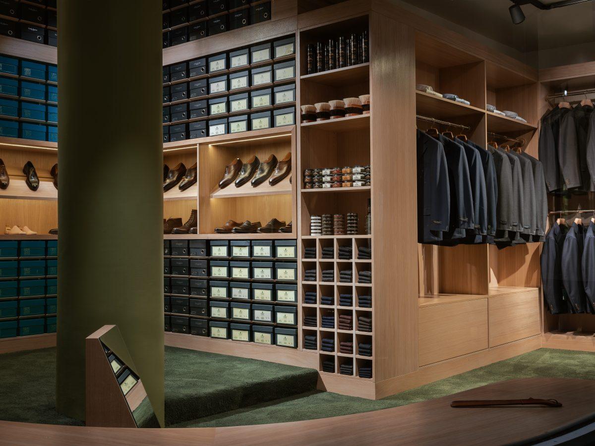 74b4123f Cavour er et herrekonsept som tilbyr eksklusive klær og accessoirer fra  eget merke og fra håndplukkede aktører, som står for kvalitet og vakkert  håndverk.