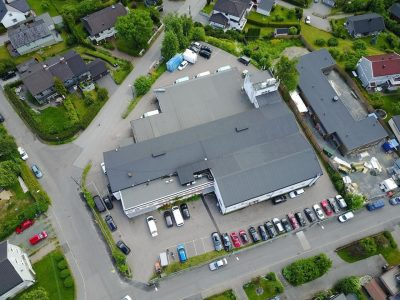 Økern/Risløkka: Kombinasjonslokaler til leie. ca. 306 kvm kontor og 75 kvm lager.