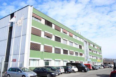 Alnabru/Furuset: Lager på 86 kvm bta. & kontorlokaler på 125 kvm bta. til leie.