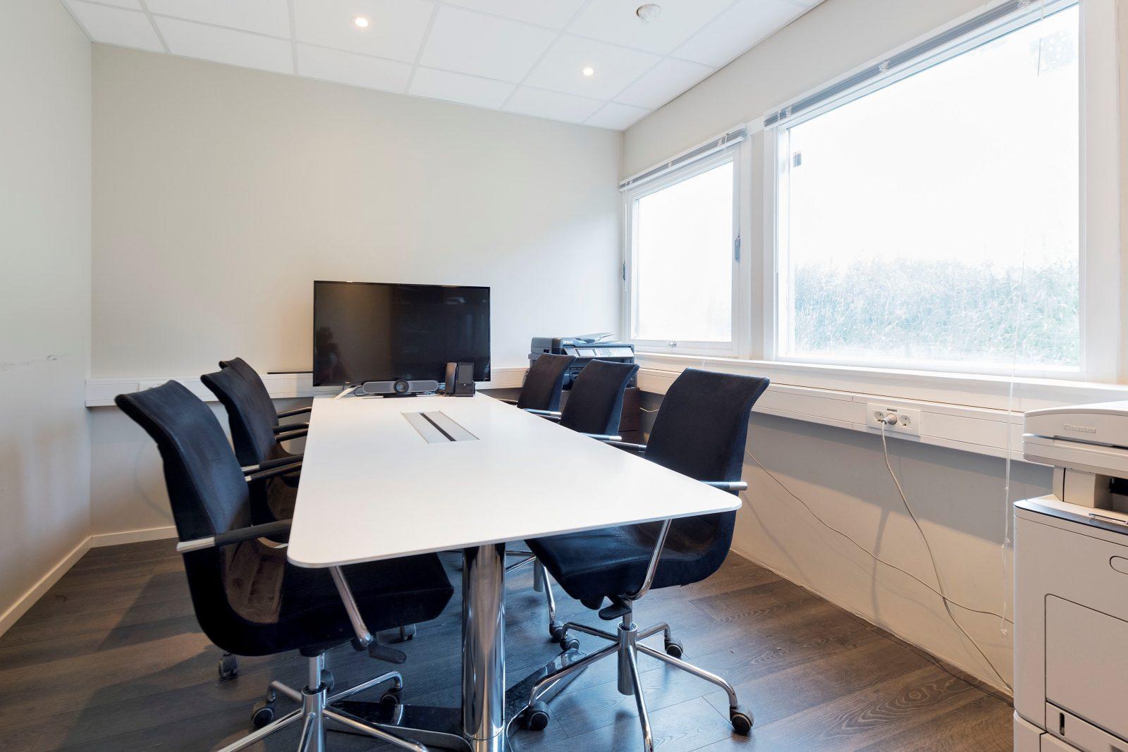 Møterom i kontor/lagerdel ca. 142 kvm
