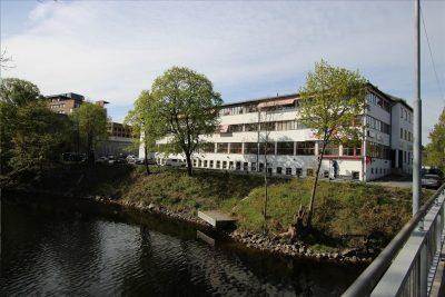 Sandvika: Ledige kontor-/showroom/behandlings-/lagerlokaler på ca. 118,7 til 587 kvm bta. til leie.