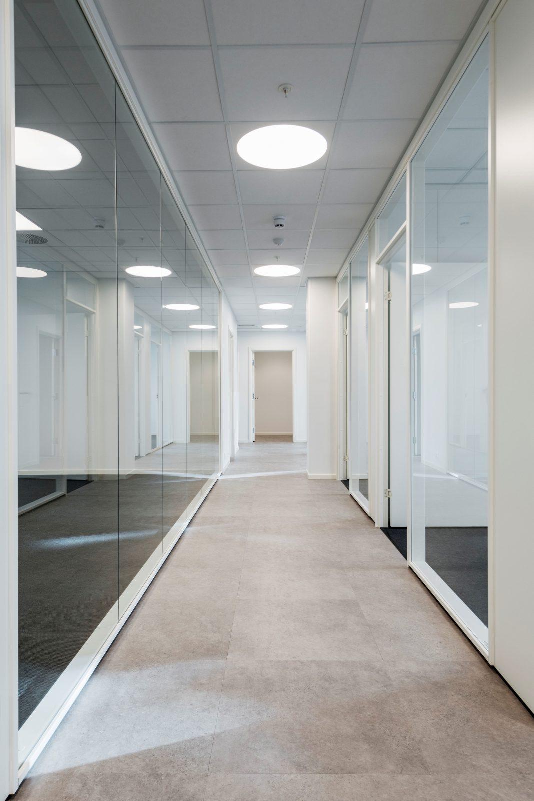 Glassvegger gir rom og lys