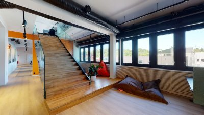 Alnabru: Moderne kontorlokaler og minilager til leie.