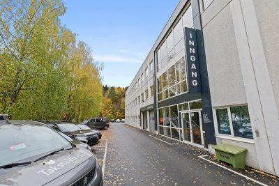 Alnabru - Kontorlokaler med stor vareheis og god parkeringsdekning.