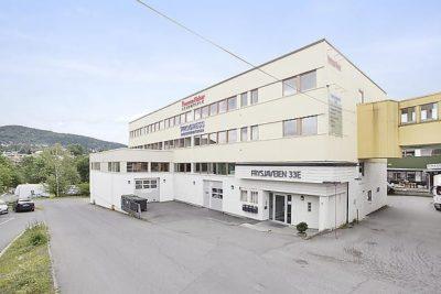 Frysja: Nyoppussede kontorlokaler med vareheis. BTA 78 - 214 kvm.