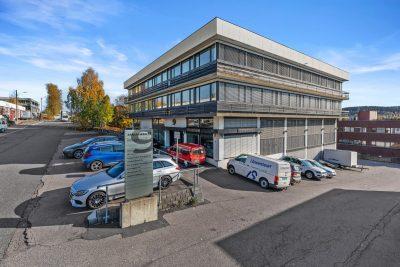 Kalbakken - Moderne kontorlokaler med meget god standard, samt lagerlokaler med kjøreport.