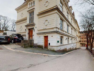 Frogner - Kontorlokale med sentral beliggenhet, parkering og egen inngang fra gaten.