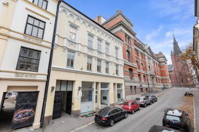 Oslo sentrum/St. Olavs gate 3. Fem Næringsseksjoner selges samlet (AS)
