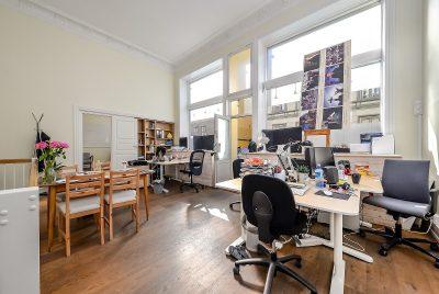 Oslo sentrum/St. Olavs gate 3. Forretning/kontorseksjon i 1. etg. BTA 177 kvm.