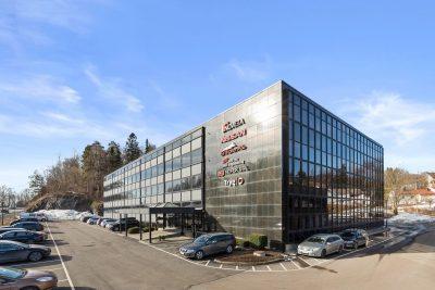 Hvalstad, flotte kontorlokaler med god eksponering og gode parkeringsmuligheter.