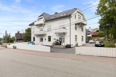 Nordstrand/Sæter - Næringsseksjon med 2 stk. parkeringsplasser til salgs