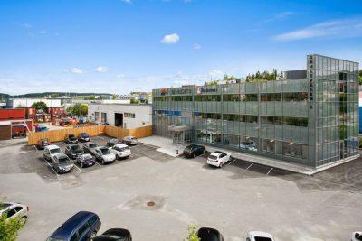 Lørenskog: Kombinasjonseiendom på ca. 1.680 kvm med tomt 4.948 kvm. Salg av AS.